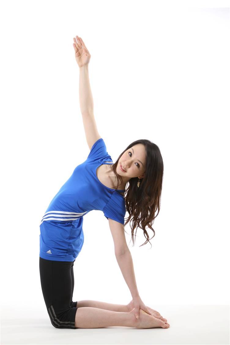 唐幼馨在TutorABC開設線上瑜珈提斯課程幫上班族打擊肥胖問題