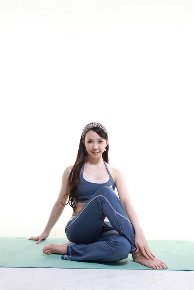 唐幼馨老師在TutorABC開設孕婦瑜珈課程
