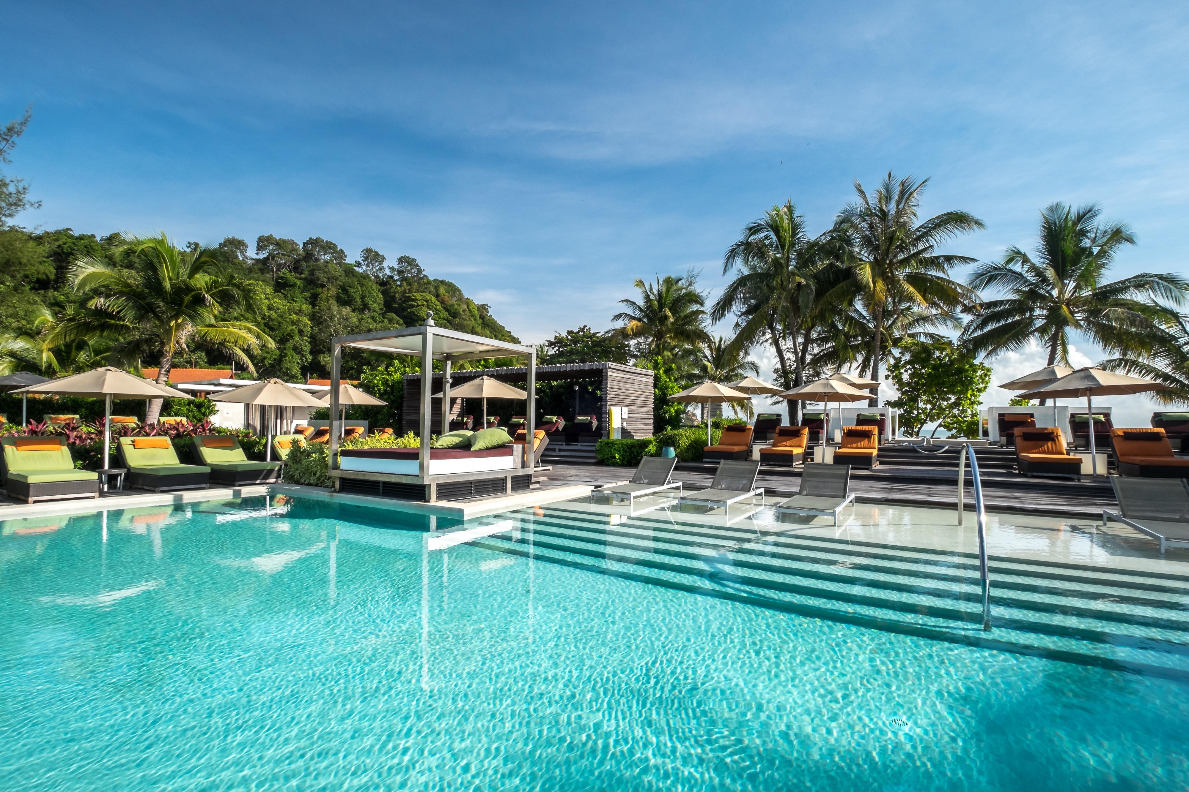 想體驗Club Med馬來西亞珍拉汀灣度假村的無邊際成人靜池?6月23日起至8月26日每五天一班4小時直飛包機帶您輕鬆前往。