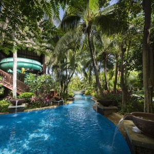 Club Med三亞度假村,Club Med亞洲最大的主泳池及親子水上樂園