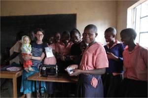 TutorABC與舊鞋30非營利組織公益合作  為孩子們開啟迎接未來的窗 (2)