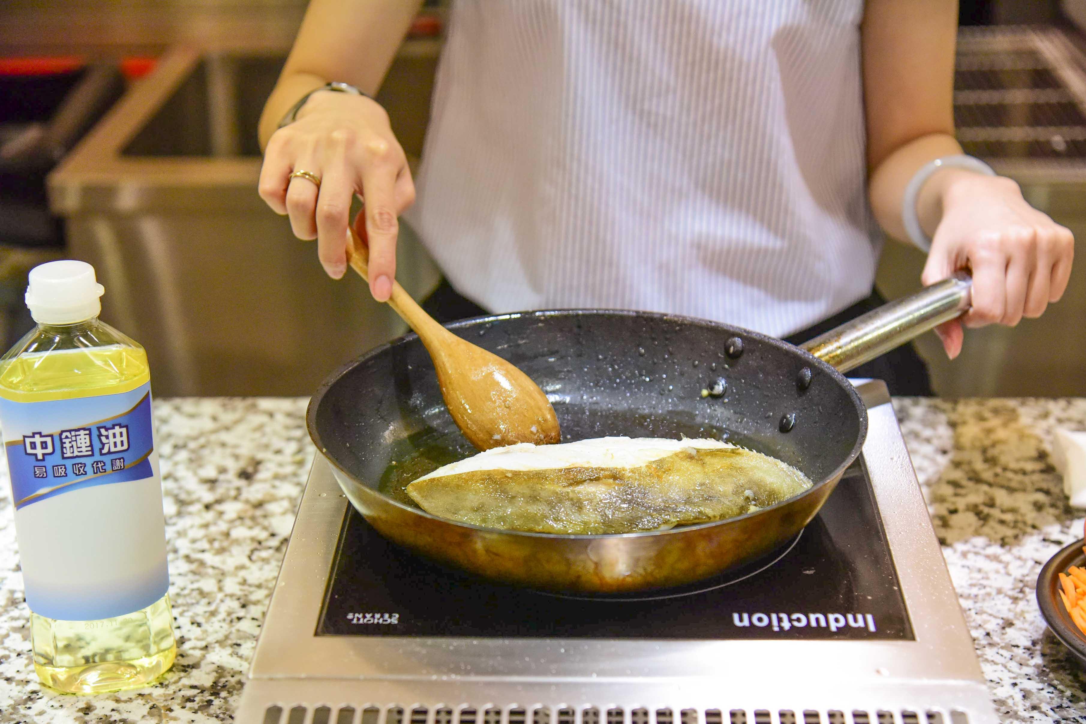 營養師示範健康用油三料理