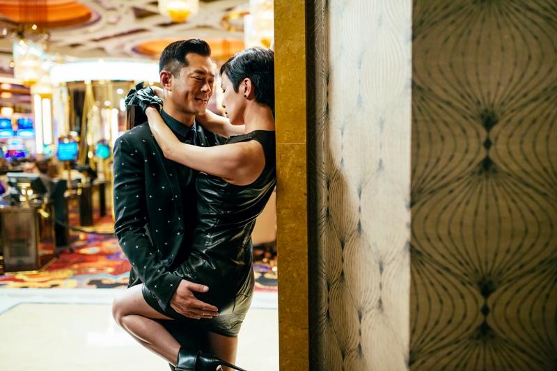 佘詩曼和古天樂在澳門賭場彼此試探 上演大尺度肢體動作 3