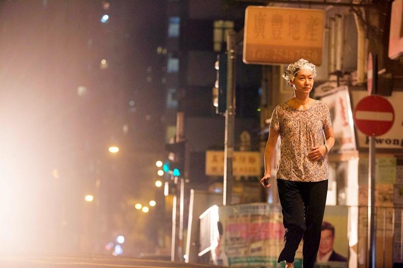 惠英紅大街上找陳家樂1