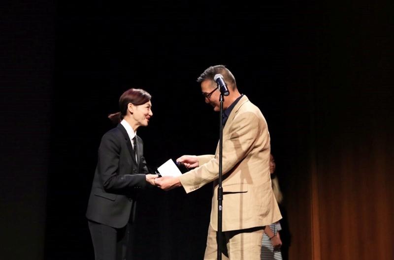 惠英紅獲頒發人道主義獎