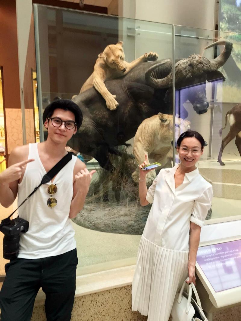 惠英紅陳家樂 遊紐約國立自然史博物館