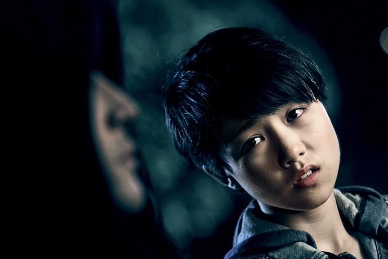 顏卓靈飾演遭綁架失蹤12年後返家的神祕少女