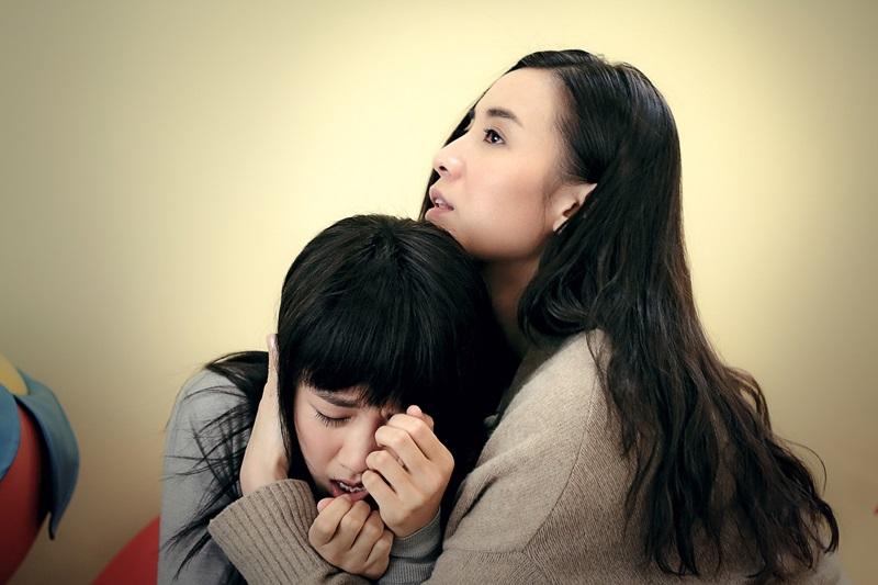 顏卓靈與宋佳飾演姊妹