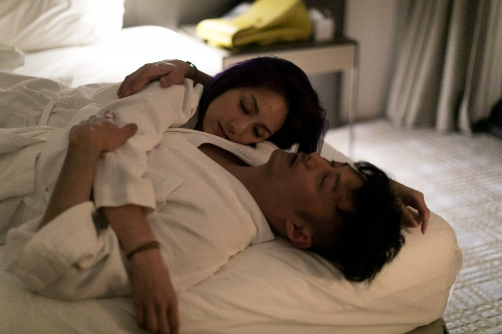 余文樂楊千嬅終於在這集有情侶浪漫床戲2