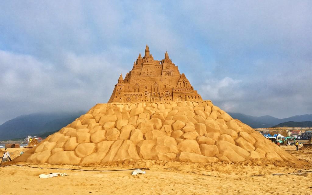 福容大飯店新聞稿-福隆國際沙雕季5.6登場 全台最高城堡沙雕亮相1