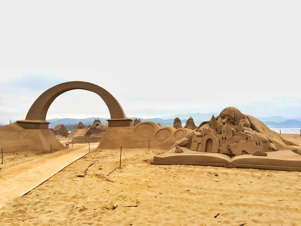 福容大飯店新聞稿-福隆國際沙雕季5.6登場 全台最高城堡沙雕亮相2