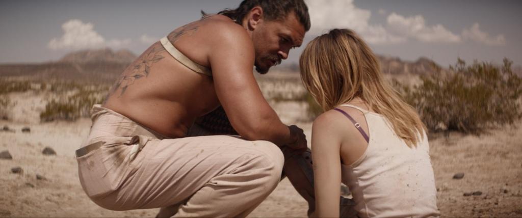 傑森摩莫亞在沙漠