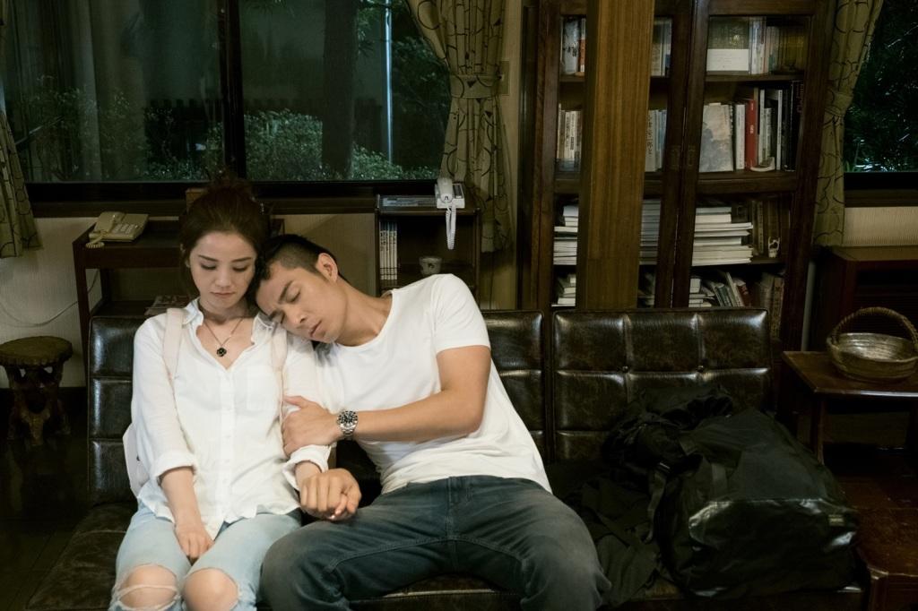 蔡卓妍(阿sa)與香港人氣型男周柏豪合作《原諒他77次》忠實呈現男女交往的種種問題