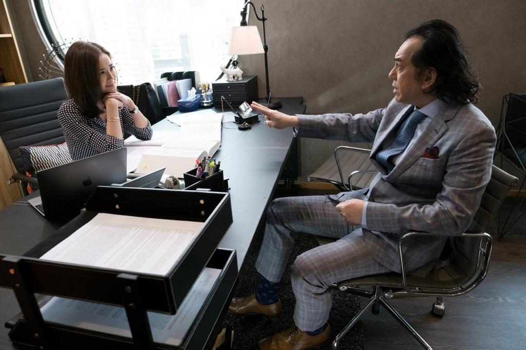 黃秋生在戲中飾演阿Sa專打離婚官司的師父
