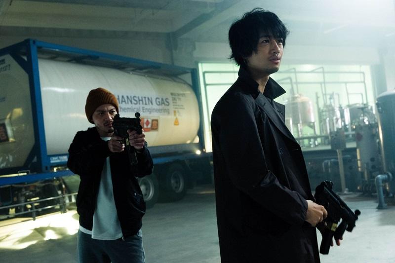 日本人氣男星齋藤工及吉澤悠特別現身客串 演出被福山雅治追捕的綁匪