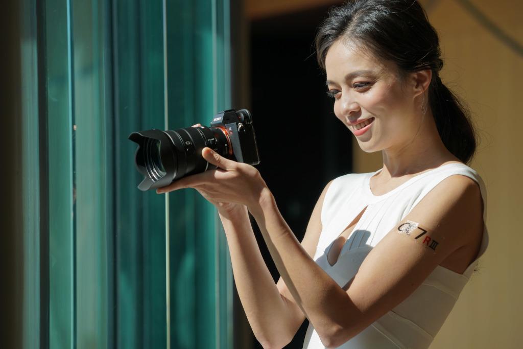 Sony 全新 FE 24-105mm F4 G OSS 不僅鏡身輕巧,更承襲 G 鏡頭基因打造柔美散景