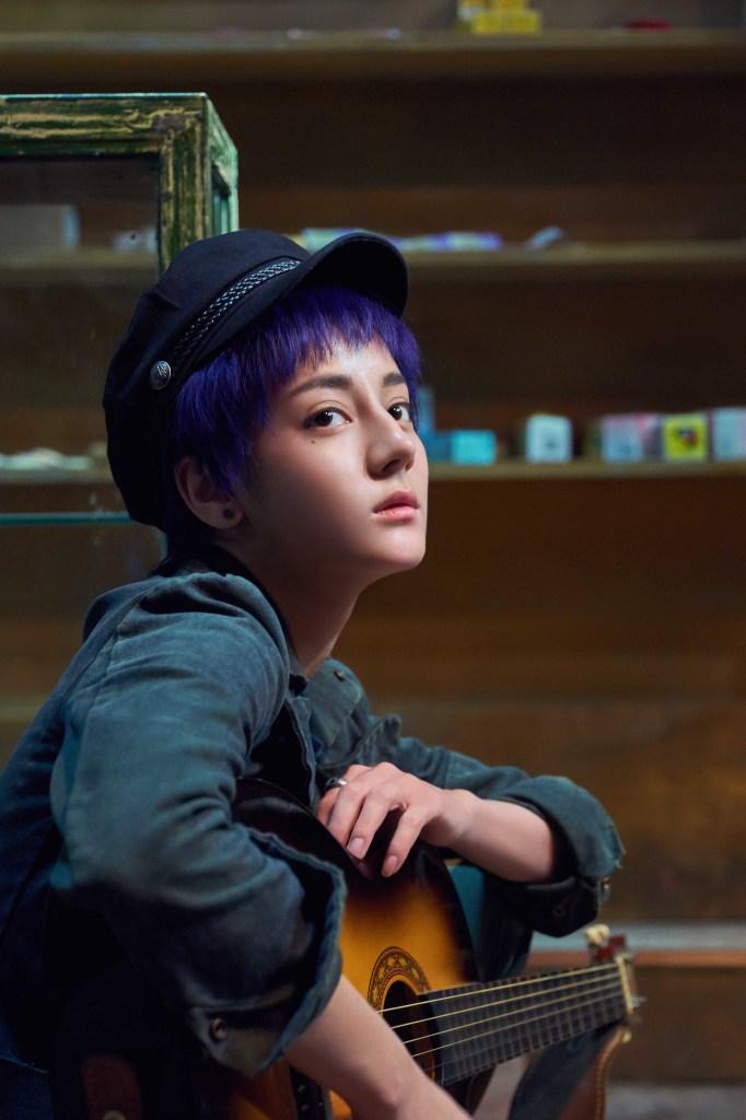 人氣女星迪麗热巴 飾演彤彤