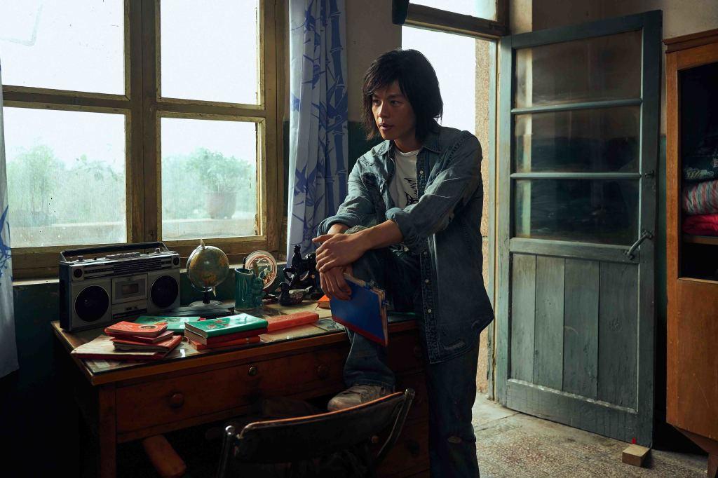 李鴻其戲中面臨家庭與音樂的抉擇