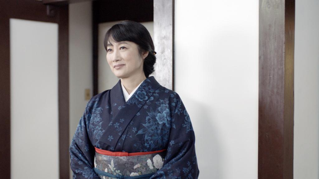 日本影后余貴美子 扮演熱情開朗的溫泉飯店老闆娘 挑戰講關西腔日文