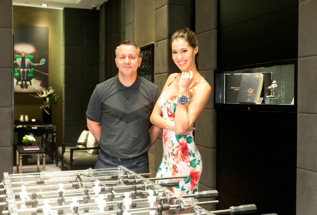 巴西名模Akemi 與中華台北足球隊總教練Gary White 一同參觀宇舶錶比利特展