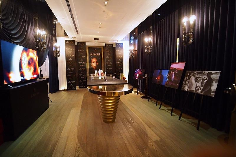 法國精品品牌路易十三干邑於2017年底發表原創音樂《100 YEARS》,自上海出發開始在全球巡迴展出。