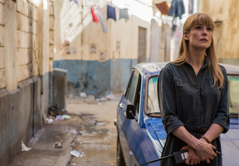 羅莎蒙派克完美演繹80年代獨立性格的中情局女探員