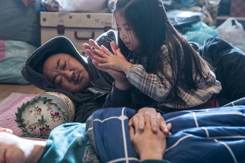 玉藝琳(右)片中和馬東石有相當多可愛互動 融化眾人