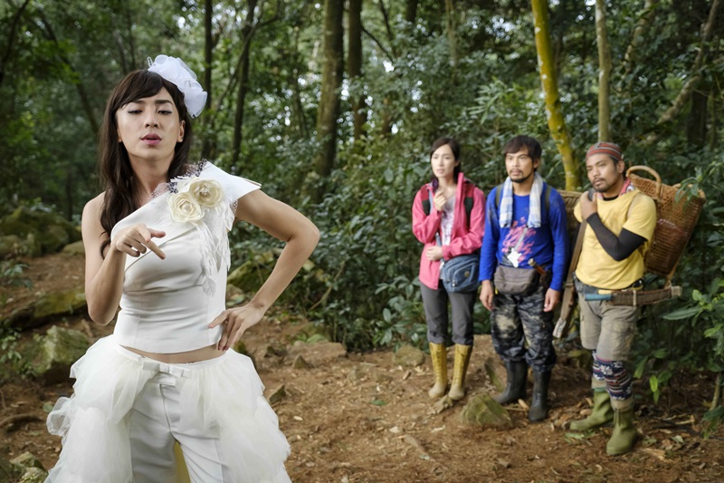 何林駿在山上與小薰、蘇達、撒基努等人相遇 開始了一段瘋狂的山林旅程