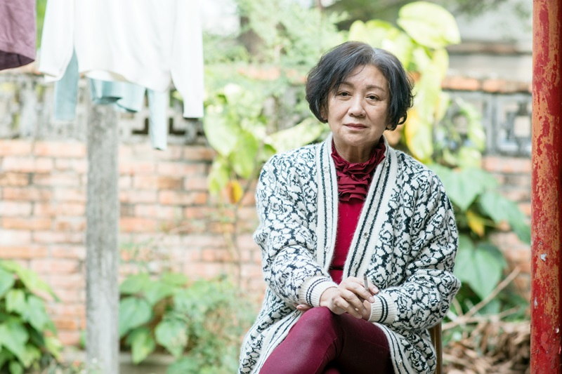 影后鮑起靜首度參與台灣電影演出 展現細膩演技詮釋熱愛直播的網紅奶奶