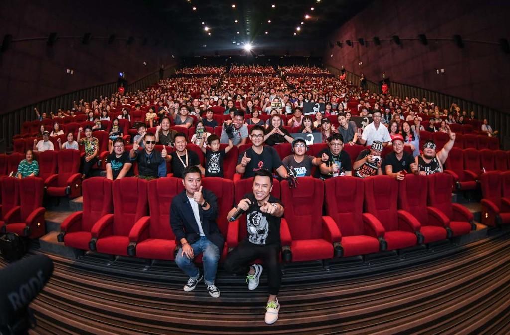 甄子丹和闞家偉導演與首映會影迷熱情互動