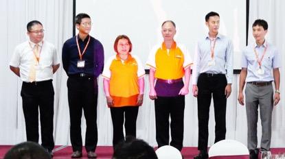 惠双房屋總部董事長呂森瀛(右三)表示,惠双房屋為台灣首家越南設公司的品牌房仲,希望幫台灣投資人把關交易安全