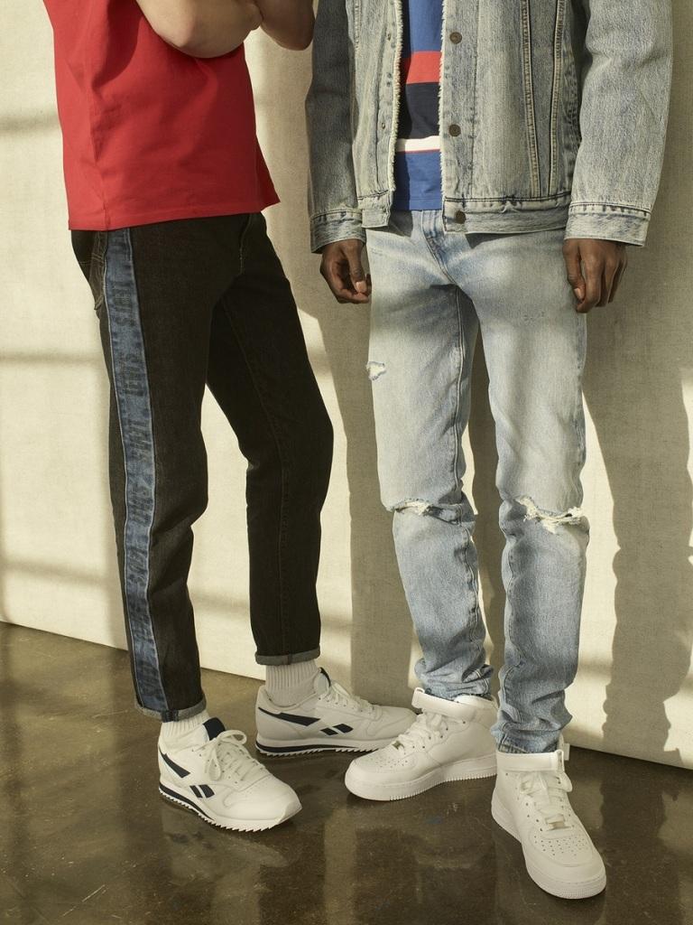 LEVI'S引領業界褲型趨勢,著眼褲鞋搭配關鍵的踝時尚,以人氣版型502及512為雛型,運用彈性舒適面料打造「HI-BALL ROLL摩登捲折」.._