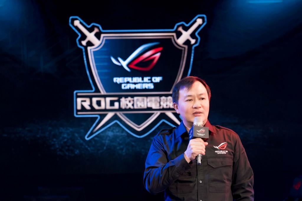 華碩聯合科技業務副總經理廖逸翔表示,ROG玩家共和國盼在業界持續扮演領頭羊角色,將傑出成功案例複製至其他校園,促成更多產學合作。
