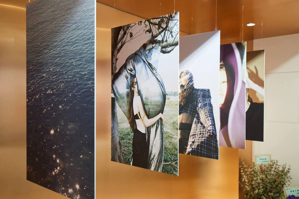 06.本次「rather be」輕展覽特邀拍攝rather形象影片及平面的獨立攝影師LIN YEN,其作品也將會陳列至11月底