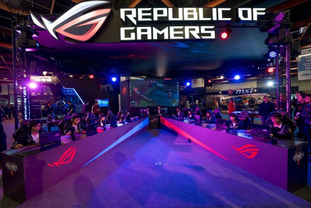 ROG玩家共和國於資訊月現場精心設置5對5電競對戰擂台,歡迎所有想要挑戰自我極限的精英好手一同前來切磋鬥技,展現卓越實力。