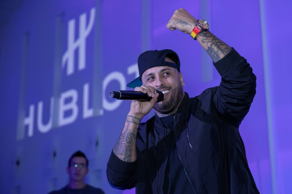 Nicky Jam 配戴BIG BANG MECA-10 NICKY JAM皇金彩寶腕錶