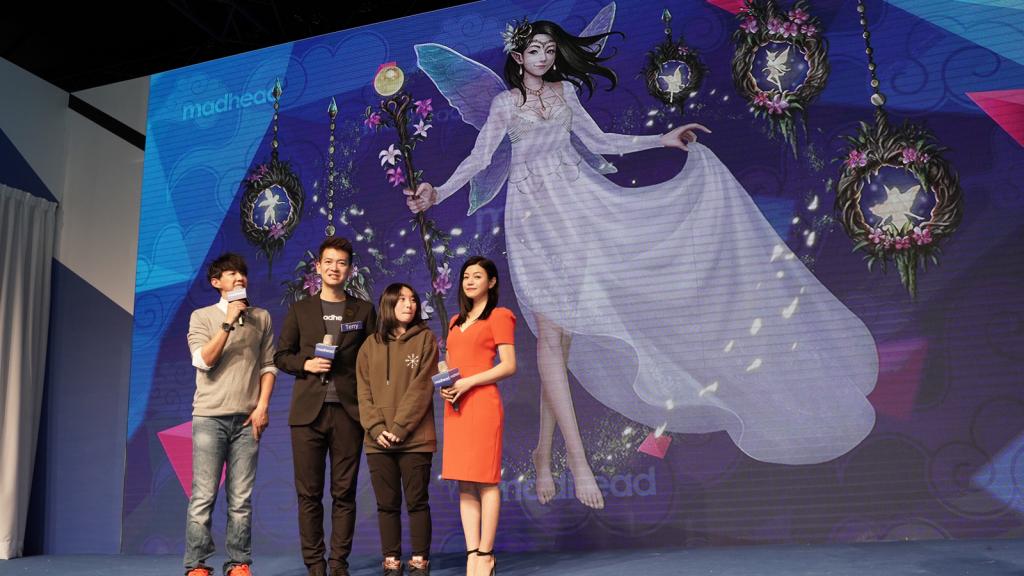 圖說:陳妍希與 Terry和得獎玩家合影_1