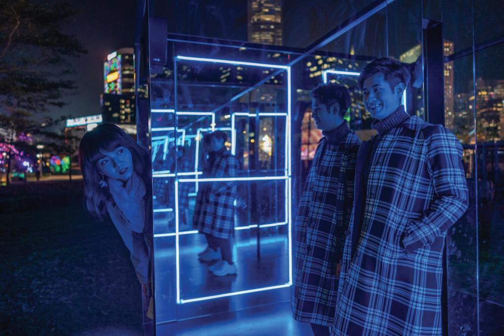 Hong Kong Pulse Light Festival ñ International Light Art Display