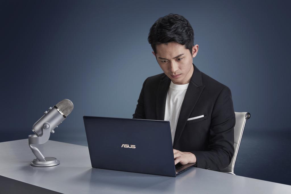 學霸主持人曾博恩擔任ASUS ZenBook推薦大使,分享人生理念、堅持夢想的過程,系列影片預計3月21日起首播。