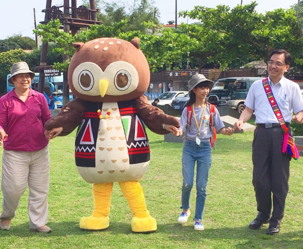 原民會夷將·拔路兒主委邀請帛琉大使歐克麗及知名童星喬喬一同體驗阿美族豐年祭舞蹈(1)