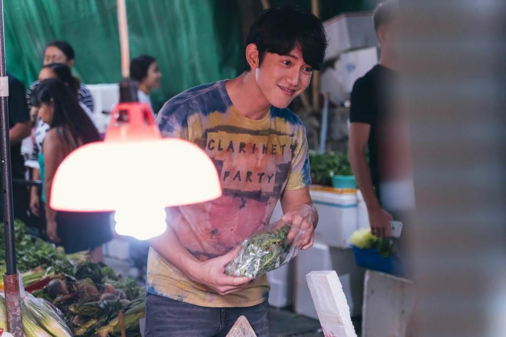 吳慷仁在香港菜市場買菜戲份
